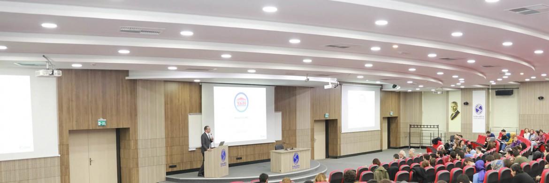 Prefabrik Yapı meets students in the Sakarya Üniversity.